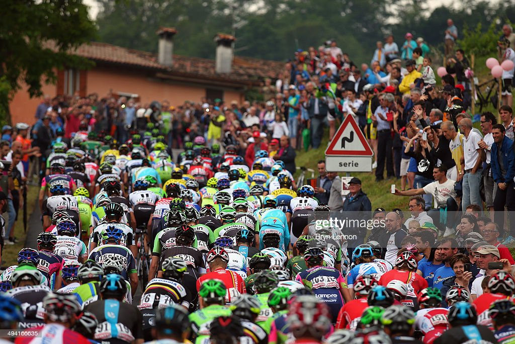 The peloton rides up hill in the closing stages of seventeenth stage of the 2014 Giro d'Italia, a 208km stage between Sarnonico and Vittorio Veneto on May 28, 2014 in Vittorio Veneto, Italy.
