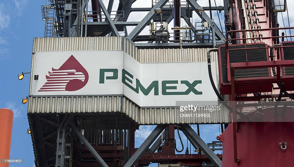 The PEMEX logotype on the tower of the drilling tower of La Muralla IV exploration oil rig operated by Mexican company 'Grupo R' and working for...