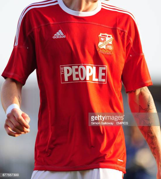 The People newspaper shirt sponsor on the Swindon Town FA Cup kit