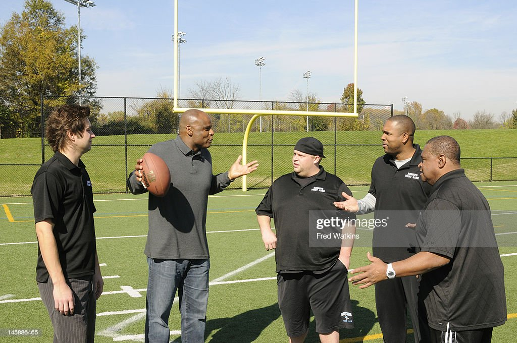 BOYS - 'The Perfect Season' - Football great and NFL Hall of Famer Warren Moon helps Senior make a big decision; Sweet Lou is determined to put his slacker reputation behind him by trying to land a coveted helmet from the 1972 Dolphins; the boys are offered a minority share of the Green Bay Packers, and Junior tries to lock in a piece of Tiger Stadium, on 'Ball Boys,' SUNDAY JUNE 17 (5:00-5:30 p.m., ET) on the ABC Television Network.