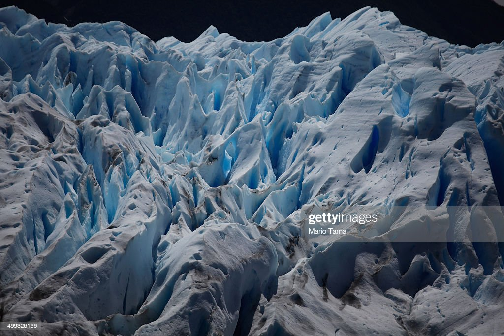 global warming impacts on glaciers Global warming affects oceans in several ways, one of the most serious being to cause icebergs and other sea ice to melt  from glaciers, ice sheets and ice caps .