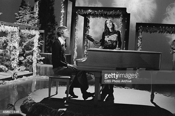 the perry como christmas party pictures getty images - Perry Como Christmas Show