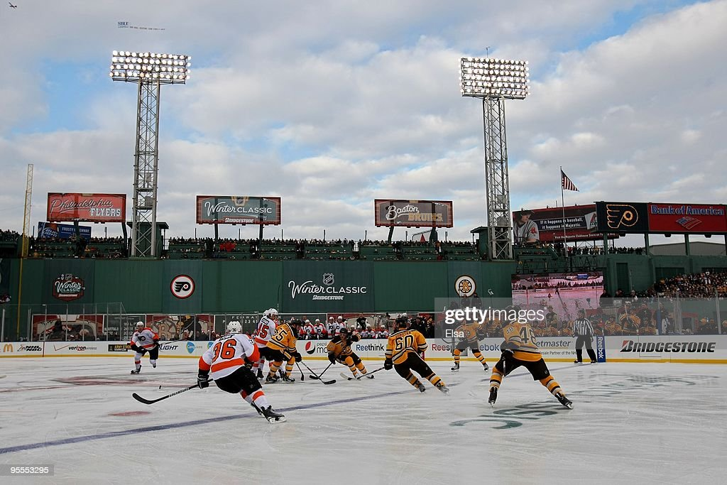 The Philadelphia Flyers face off against the Boston Bruins during the 2010 Bridgestone Winter Classic at Fenway Park on January 1, 2010 in Boston, Massachusetts. The Boston Bruins defeated the Philadelphia Flyers 2-1 in overtime.