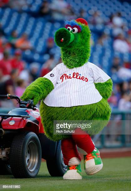 The Phillie Phanatic performs before a game between the San Francisco Giants and Philadelphia Phillies at Citizens Bank Park on June 2 2017 in...