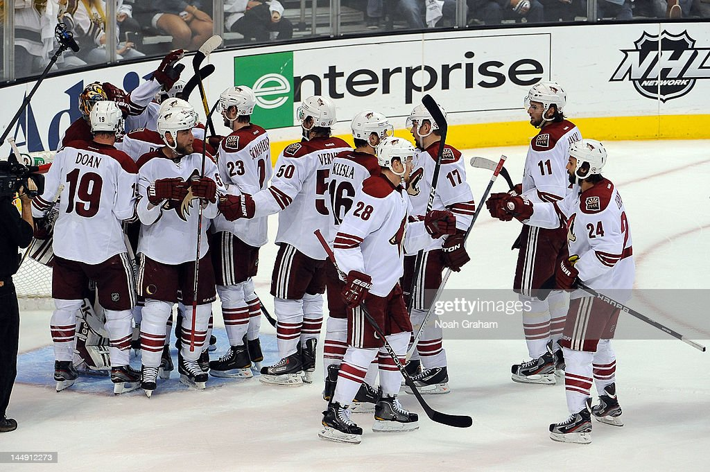 The Phoenix Coyotes celebrate after defeating the Los Angeles Kings in Game Four of the Western Conference Finals during the 2012 NHL Stanley Cup Playoffs at Staples Center on May 20, 2012 in Los Angeles, California.