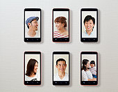 The photograph of expression, and six smart phones