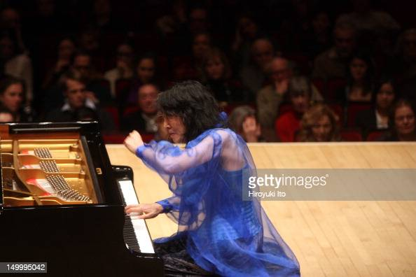 Mitsuko Uchida Schumann: G Minor Sonata Waldszenen Gesange Der Frühe