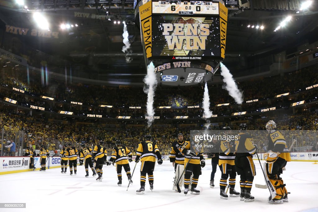 The Pittsburgh Penguins celebrate after defeating the Nashville Predators in Game Five of the 2017 NHL Stanley Cup Final at PPG PAINTS Arena on June 8, 2017 in Pittsburgh, Pennsylvania.