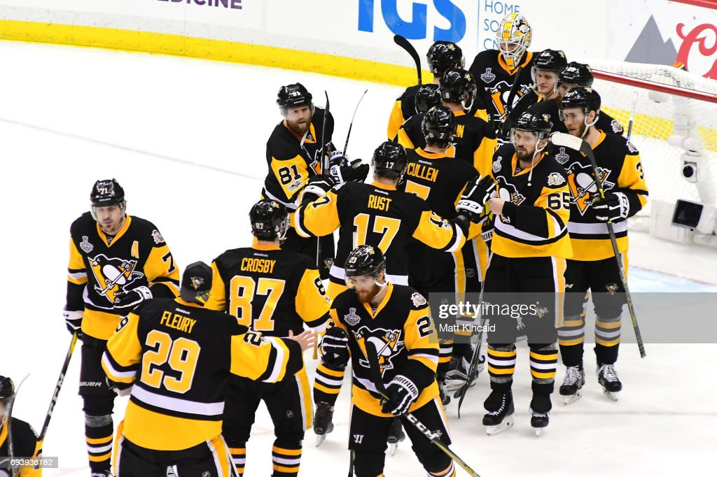 The Pittsburgh Penguins celebrate after defeating the Nashville Predators in Game Five of the 2017 NHL Stanley Cup Final at PPG PAINTS Arena on June 8, 2017 in Pittsburgh, Pennsylvania. The Penguins defeated the Predators 6-0.