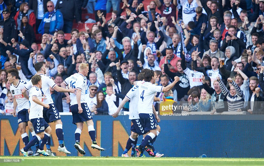 The players of AGF Arhus celebrating after the 1-1 goal from Morten Rasmussen during the DBU Pokalen Cup Final match between AGF Arhus and FC Copenhagen at Telia Parken Stadium on May 05, 2016 in Copenhagen, Denmark.