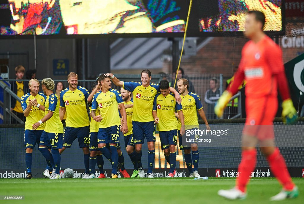 The players of Brondby IF celebrate after the 2-0 goal scored by Jan Kliment of Brondby IF during the Danish Alka Superliga match between Brondby IF and FC Midtjylland at Brondby Stadion on July 16, 2017 in Brondby, Denmark.