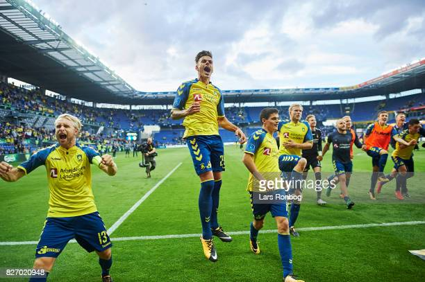 The players of Brondby IF celebrate after the Danish Alka Superliga match between Brondby IF and FC Copenhagen at Brondby Stadion on August 6 2017 in...