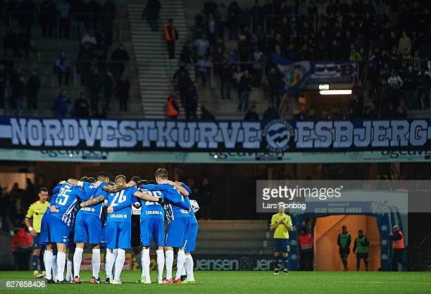The players of Esbjerg fB huddle during half time in the Danish Alka Superliga match between Esbjerg fB and Brondby IF at Blue Water Arena on...