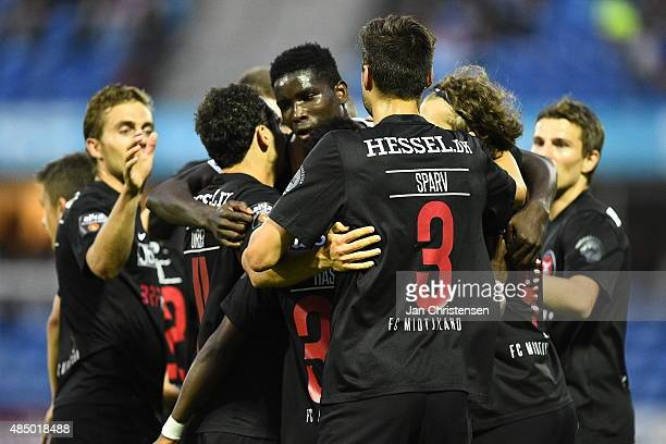 The players of FC Midtjylland celebrating the 01 goal from Paul Onuachu during the Danish Alka Superliga match between Esbjerg fB and FC Midtjylland...