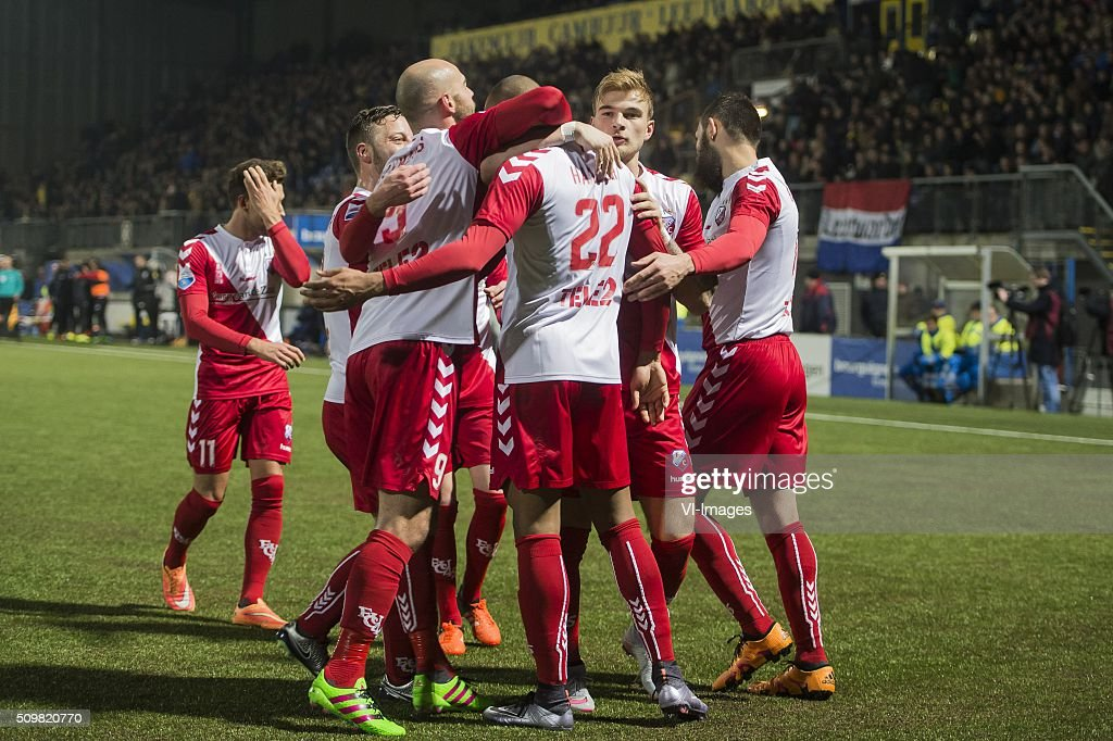 the players of FC Utrecht celebrate the goal of Sebastien Haller of FC Utrecht during the Dutch Eredivisie match between SC Cambuur Leeuwarden and FC Utrecht at the Cambuur Stadium on February 12, 2016 in Leeuwarden, The Netherlands