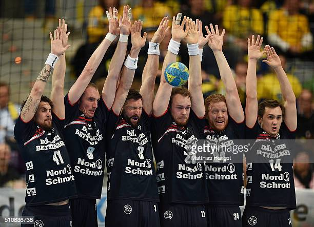 The players of Flensburg Handewitt block a ball during the DKB HBL Bundesliga match between RheinNeckar Loewen and SG Flensburg Handewitt at SAP...