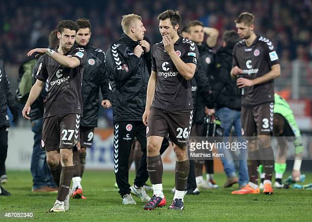 The players of Hamburg show their frustration after loosing the Second Bundesliga match between 1FC Union Berlin and FC St Pauli at Stadion An der...