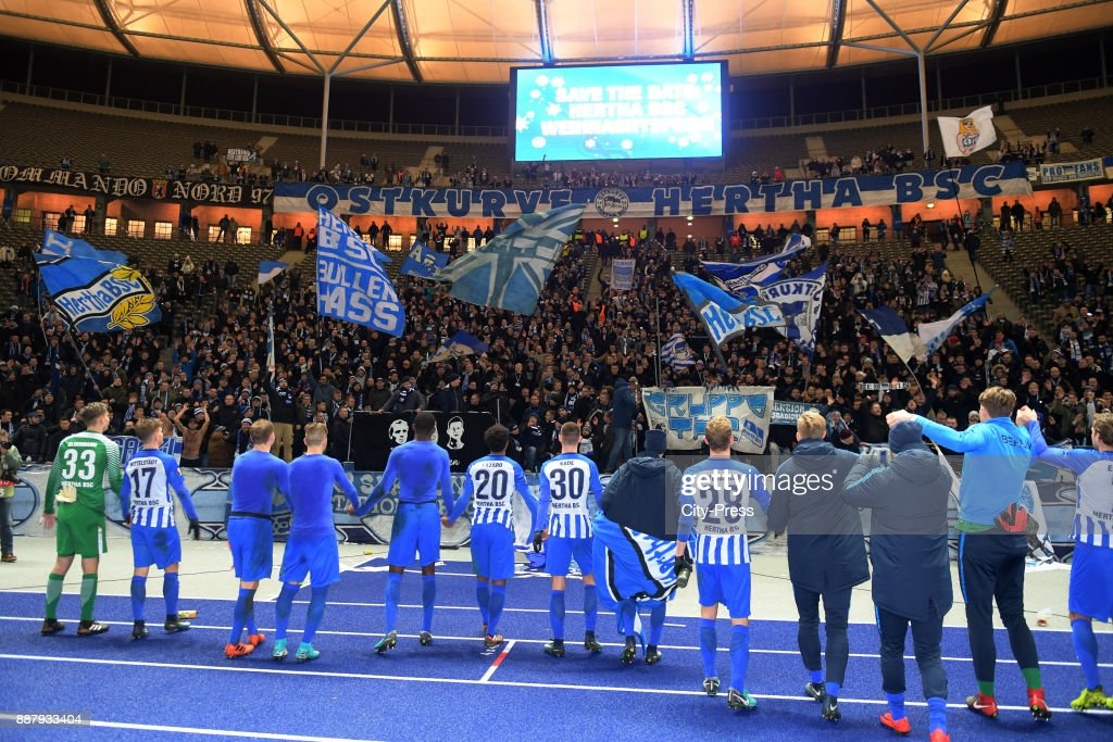 The players of Hertha BSC celebrate with the fans after the UEFA Europa League, Group J match between Hertha BSC and Oestersunds FK on December 7, 2017 in Berlin, Germany.