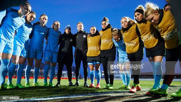 The players of Manchester City huddle prior to the UEFA Women's Champions League match between Fortuna Hjorring and Manchester City at Bredband Nord...