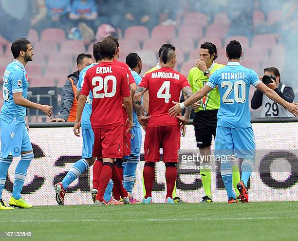 The players of Napoli and Cagliari speak with referee Andrea De Marco after goal 11 score by Marek Hamsik during the Serie A match between SSC Napoli...