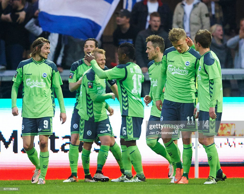 The players of OB Odense celebrate after the 0-2 goal from Ari Skulason during the Danish Alka Superliga match between Esbjerg fB and OB Odense at Blue Water Arena on May 02, 2016 in Esbjerg, Denmark.