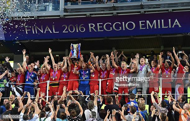 The players of Olympique Lyonnais celebrate a victory after UEFA Women's Champions League Final between VfL Wolfsburg v Olympique Lyonnais at Mapei...