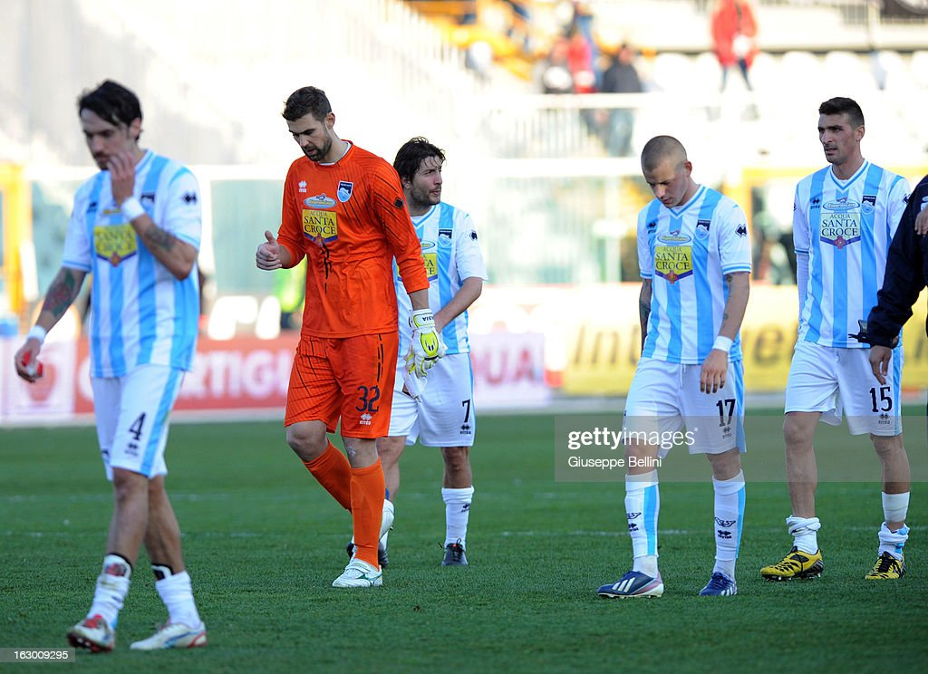 The players of Pescara after the Serie A match between Pescara and Udinese Calcio at Adriatico Stadium on March 3, 2013 in Pescara, Italy.