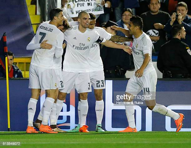 The players of Real Madrid celebrate during La Liga match between Levante UD and Real Madrid at Ciutat de Valencia on March 02 2016 in Valencia Spain