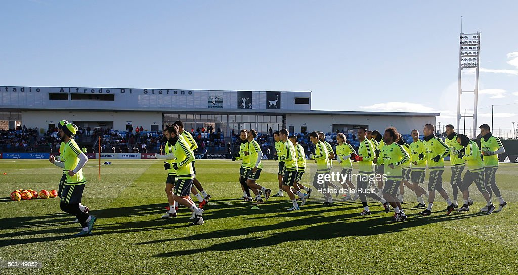 The players of Real Madrid exercise during a training session at Estadio Alfredo Di Stefano on January 5, 2016 in Madrid, Spain.