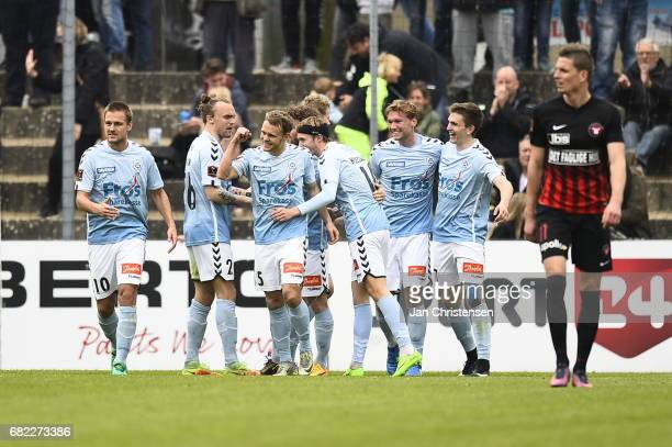 The players of Sonderjyske celebrate the 42 goal scored by Johan Absalonsen during the Danish Alka Superliga match between SonderjyskE and FC...