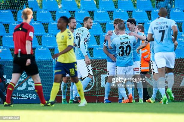 The players of SonderjyskE celebrates the 10 goal from Christian Jakobsen of SonderjyskE during the Danish Alka Superliga match between SonderjyskE...