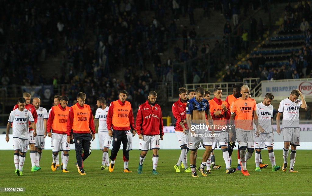 The players of the FC Crotone show their dejection at the end of the Serie A match between Atalanta BC and FC Crotone at Stadio Atleti Azzurri d'Italia on September 20, 2017 in Bergamo, Italy.