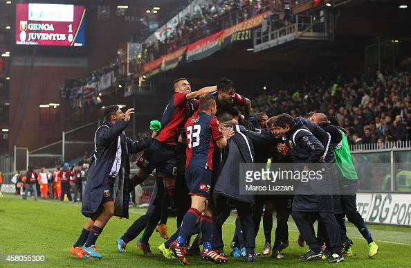 The players of the Genoa CFC celebrate a victory at the end of the Serie A match between Genoa CFC and Juventus FC at Stadio Luigi Ferraris on...