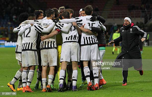 The players of the Juventus FC celebrate a victory at the end of the TIM Cup match between FC Internazionale Milano and Juventus FC at Stadio...