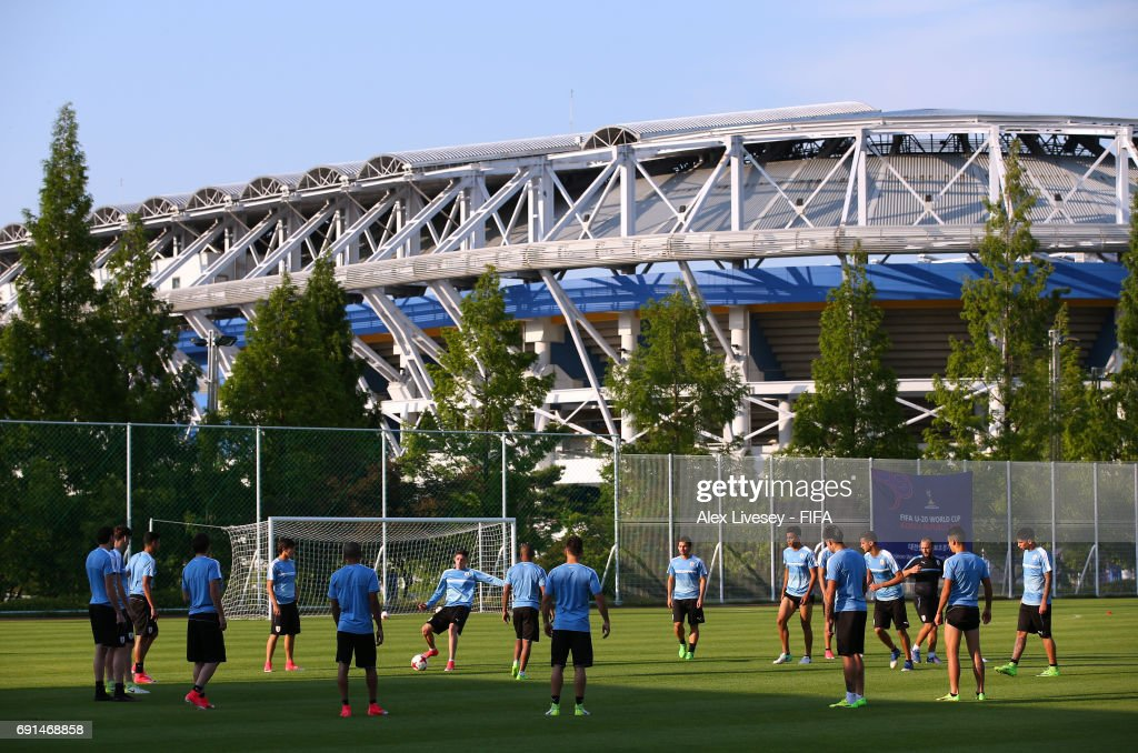 The players of Uruguay warm up during a training session in the shadow of the Daejeon World Cup Stadium during the FIFA U-20 World Cup on June 2, 2017 in Daejeon, South Korea.