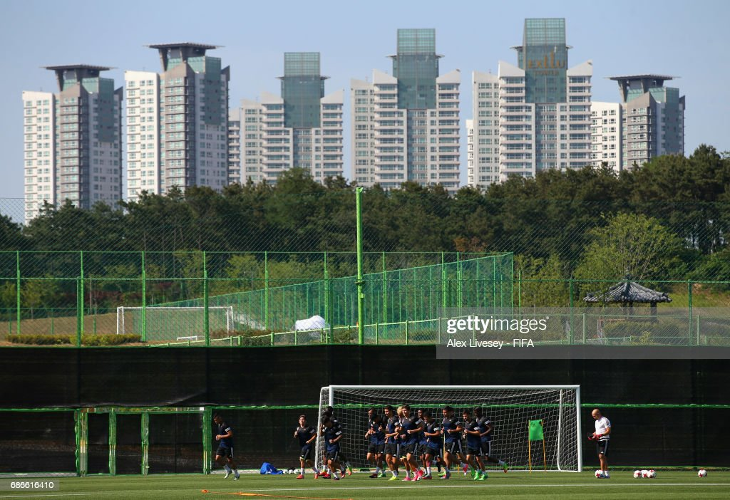 The players of Venezuela warm up during a training session at the Deokam Football Centre during the FIFA U-20 World Cup on May 22, 2017 in Daejeon, South Korea.