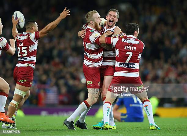 The players of Wigan Warriors celebrate victory in the First Utility Super League Final between Warrington Wolves and Wigan Warriors at Old Trafford...