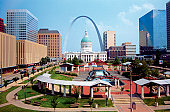 The plaza of the courthouse underneath the St. Louis Arch in Missouri, USA