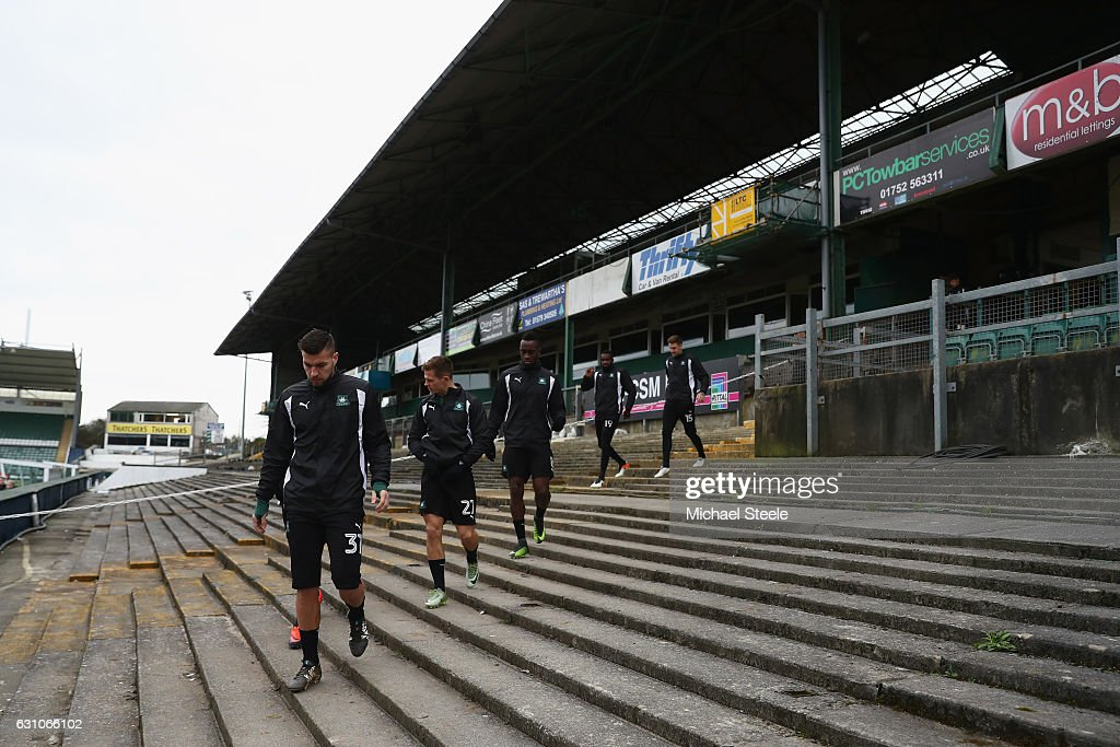 The Plymouth Players Head To Pitch During Argyle Media Access Ahead Of
