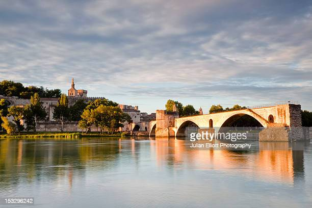 The pont d'Avignon and the Rhone river.