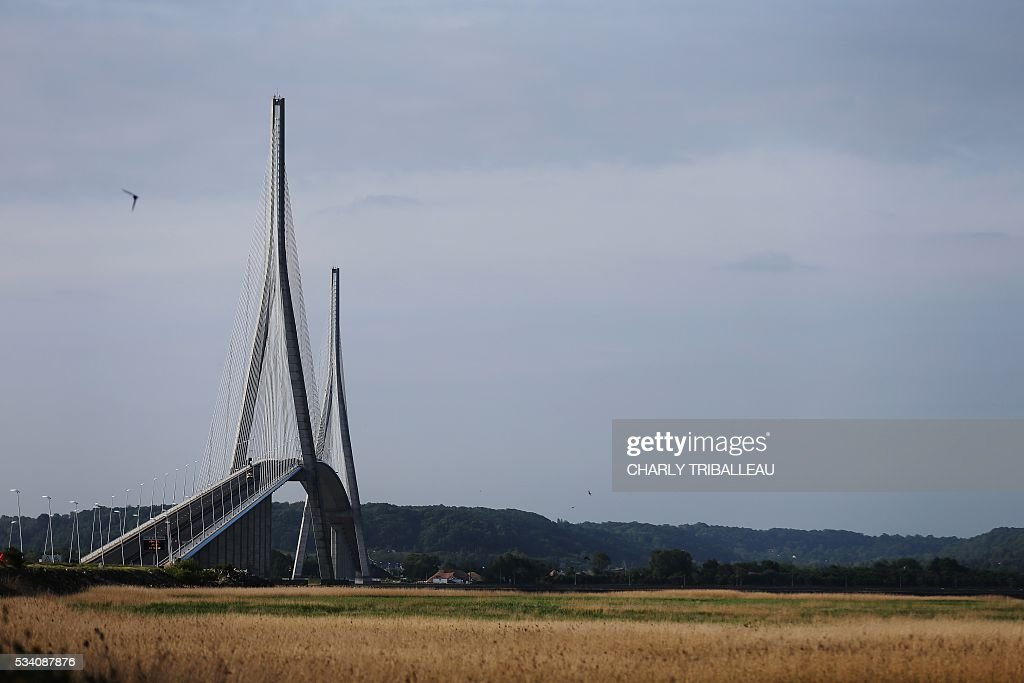The 'Pont de Normandie' is pictured, in Le Havre northwestern France, on May 25, 2016. /