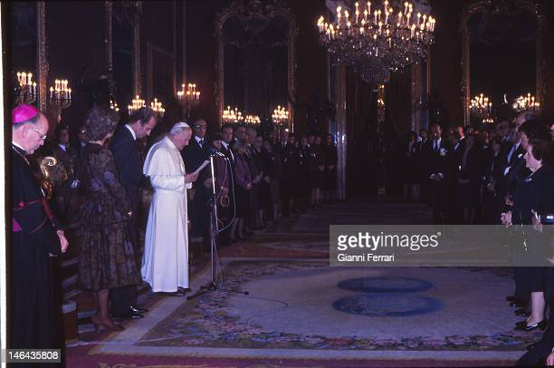 The Pope John Paul II at the Royal Palace by the Spanish Kings Juan Carlos and Sofia and members of the Government Second November 1982 Madrid Spain