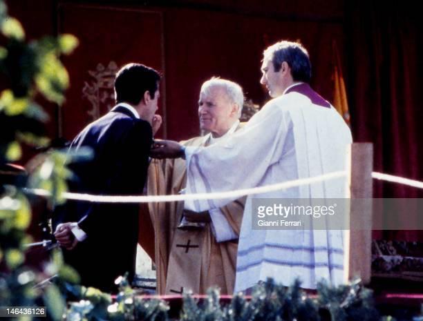 The Pope John Paul II gives communion to the former President of Spain Adolfo Suarez First November 1982 Avila Spain