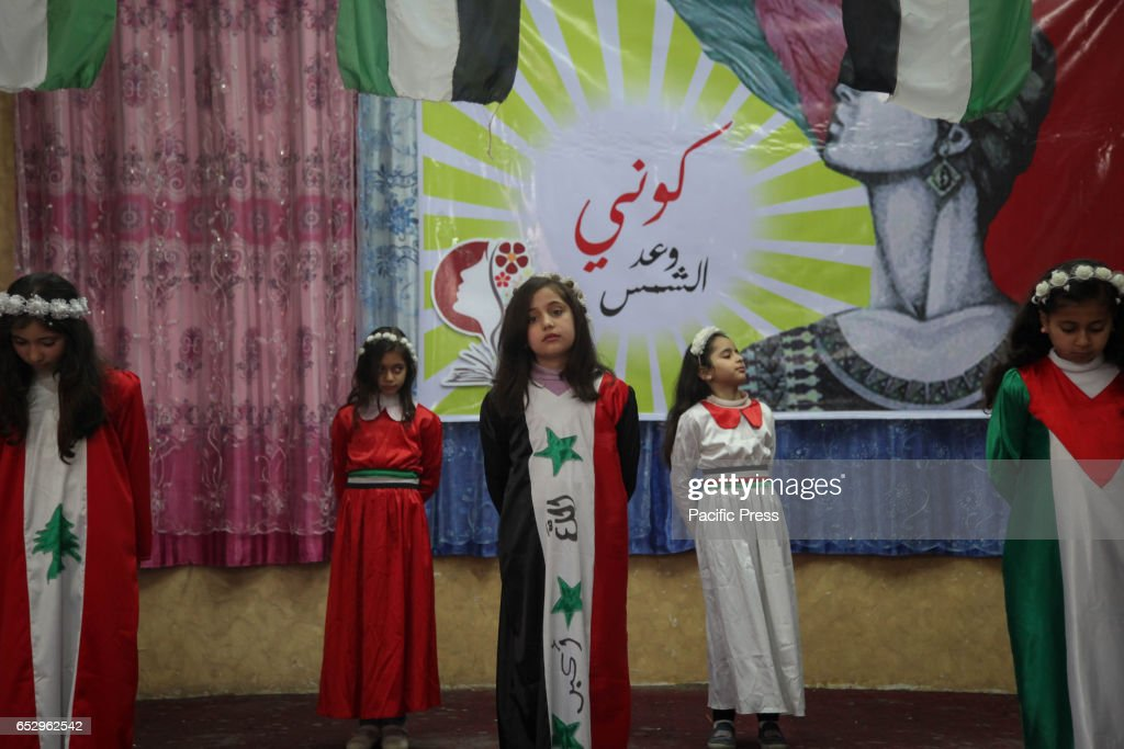 The Popular Front for the Liberation of Palestine organized a heritage festival in honor of Women's Day in Northern Gaza.
