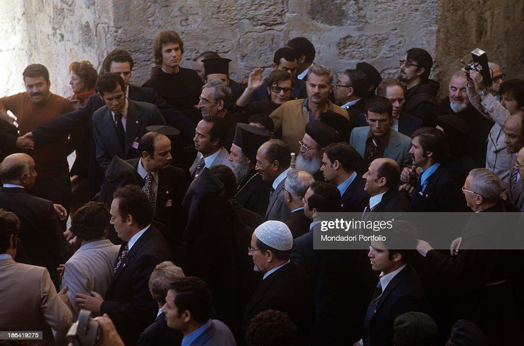 The population welcoming joyfully President of Egypt Anwar Sadat during his visit to Jerusalem. Jerusalem, November 1977.