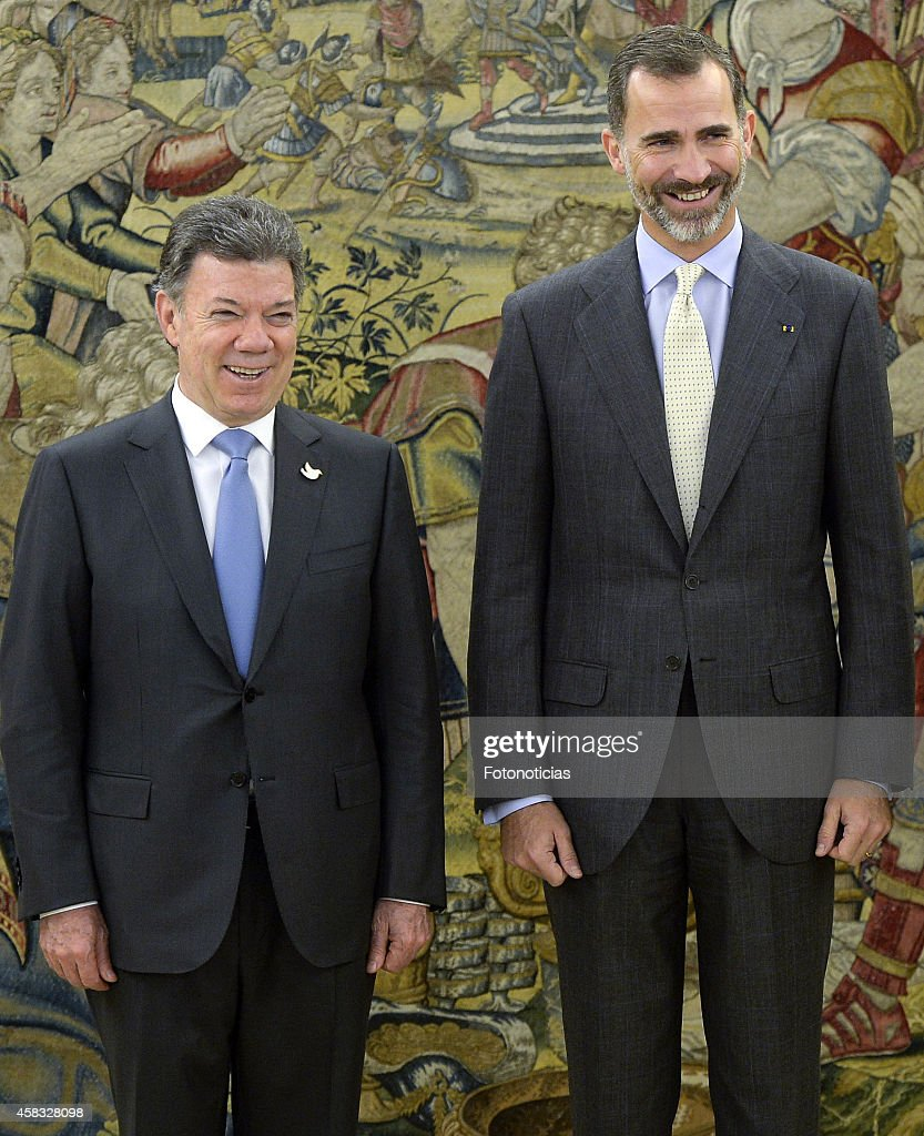 The President of Colombia <a gi-track='captionPersonalityLinkClicked' href=/galleries/search?phrase=Juan+Manuel+Santos&family=editorial&specificpeople=974752 ng-click='$event.stopPropagation()'>Juan Manuel Santos</a> Calderon and King <a gi-track='captionPersonalityLinkClicked' href=/galleries/search?phrase=Felipe+VI+of+Spain&family=editorial&specificpeople=4881076 ng-click='$event.stopPropagation()'>Felipe VI of Spain</a> attend a lunch meeting at Zarzuela Palace on November 3, 2014 in Madrid, Spain.
