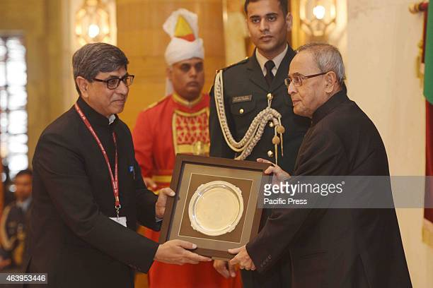 The President of India Shri Pranab Mukherjee during meeting with Officer Trainees attending IAS Professional Course PhaseI for 2014 Batch at Lal...