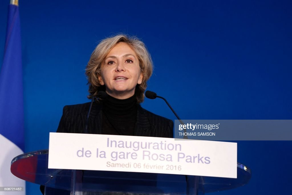 The president of the Council of the Ile-de-France region Valerie Pecresse delivers a speech during the inauguration of the new Rosa Parks railway station in Paris on February 6, 2016. / AFP / THOMAS SAMSON