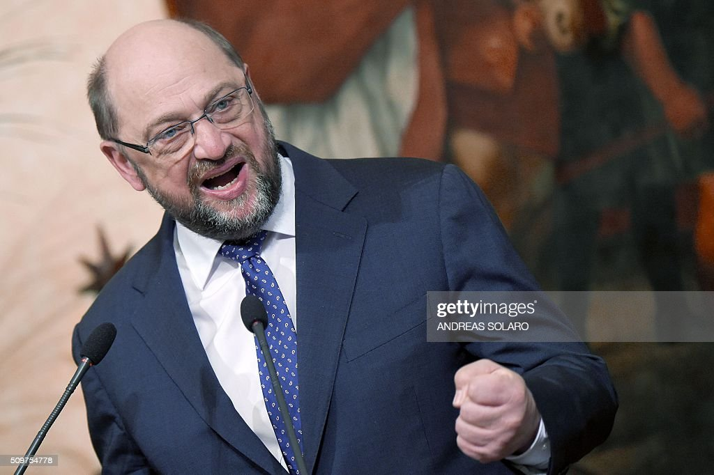 The President of the European Parliament, Martin Schulz, speaks during a joint press conference with Italian Prime Minister at the Palazzo Chigi on February 12, 2016 in Rome. / AFP / ANDREAS SOLARO