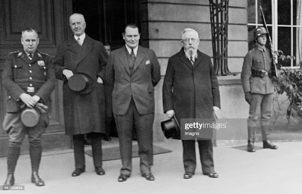 The Presidium of the new Reichstag in front of the Presidential Palace. From left to right: Ernst Zörner (Nazis), Walther Graef (German national), <a gi-track='captionPersonalityLinkClicked' href=/galleries/search?phrase=Hermann+Goering&family=editorial&specificpeople=93518 ng-click='$event.stopPropagation()'>Hermann Goering</a> (Nazi) and Thomas Esser (center). March 24th 1933. Photograph. (Photo by Imagno/Getty Images) Das Präsidium des neuen Reichstags vor dem Reichspräsidentenpalais. Von links nach rechts: Ernst Zörner (Nationalsozialisten), Walther Graef (Deutschnationale), Hermann Göring (Nationalsozialisten) und Thomas Esser (Zentrum). 24. März 1933. Photographie.